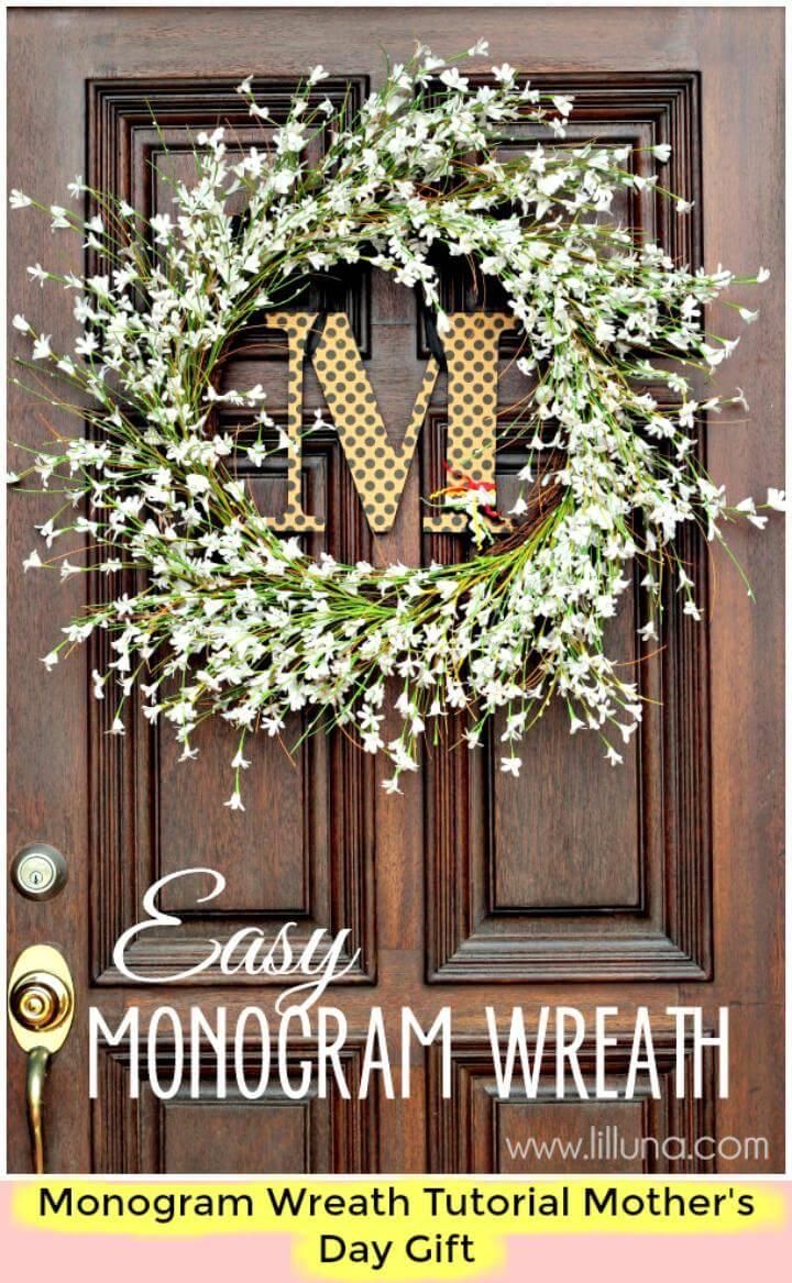 DIY beautiful monogram wreath tutorial